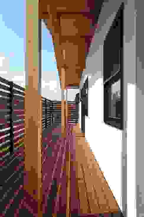 클래식스타일 발코니, 베란다 & 테라스 by 加門建築設計室 클래식