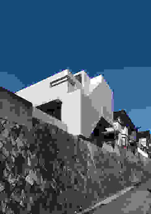 atelier m의  주택, 모던 철근 콘크리트
