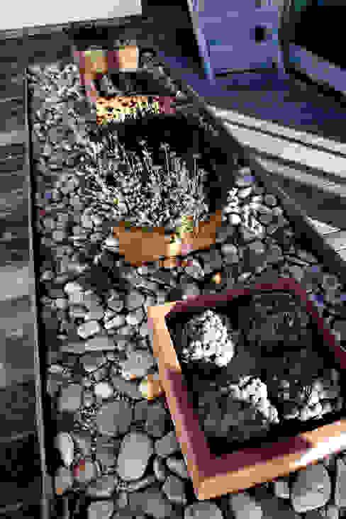 Jardines modernos: Ideas, imágenes y decoración de RUTH GUNDÍN VILLAR Moderno