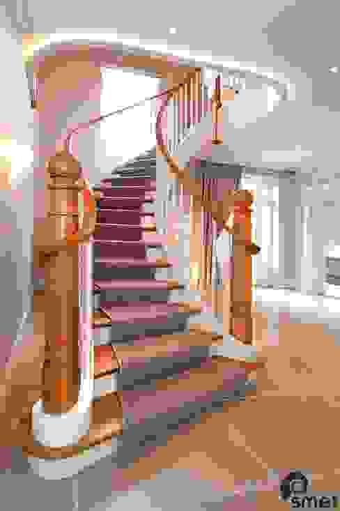 Essex 經典風格的走廊,走廊和樓梯 根據 Smet UK - Staircases 古典風