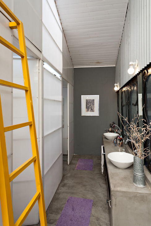 Industrial style bathroom by Pop Arq Industrial