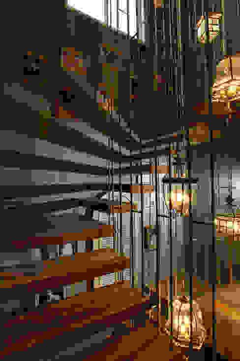 Staircase Modern corridor, hallway & stairs by groupDCA Modern