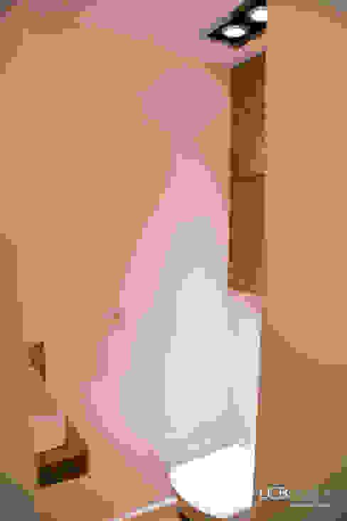 Modern bathroom by LCB studio Modern