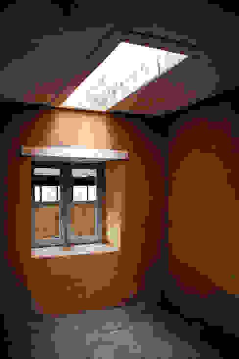 ALIWEN arquitectura & construcción sustentable - Santiago Puertas y ventanas de estilo colonial