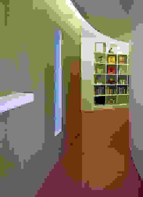 Torres Blancas apartment Salones de estilo moderno de Ruiz Velázquez Moderno Madera Acabado en madera