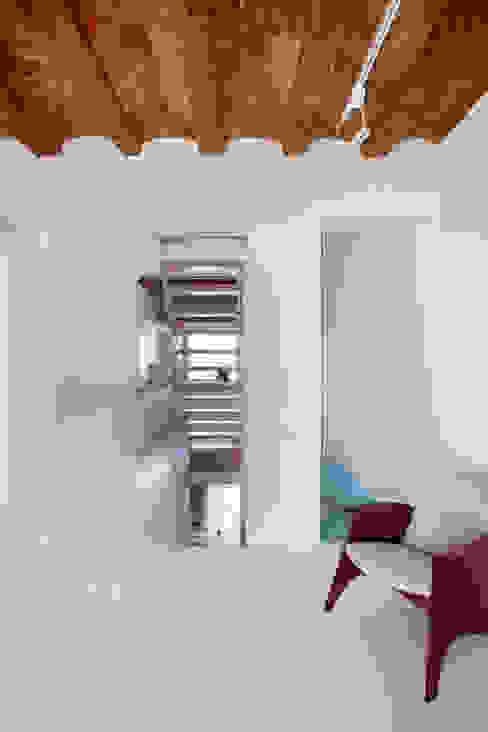 Viladecavalls House CABRÉ I DÍAZ ARQUITECTES Minimalist living room