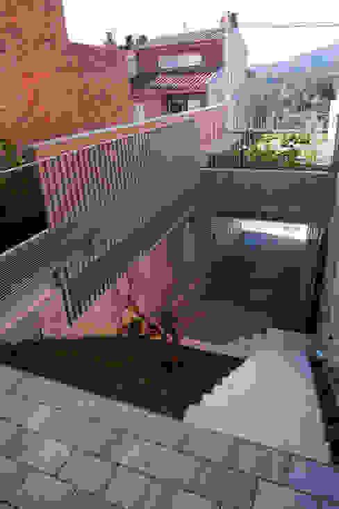 Viladecavalls House CABRÉ I DÍAZ ARQUITECTES Minimalist style garden
