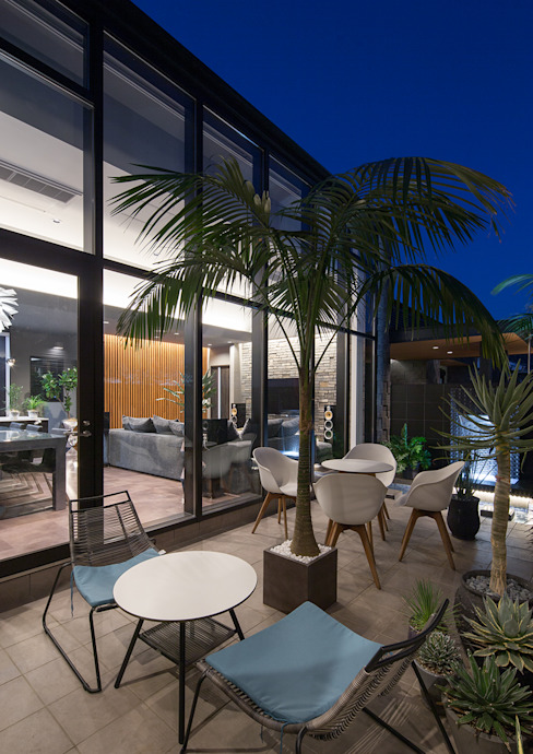 Balkon, Beranda & Teras Modern Oleh 一級建築士事務所 馬場建築設計事務所 Modern