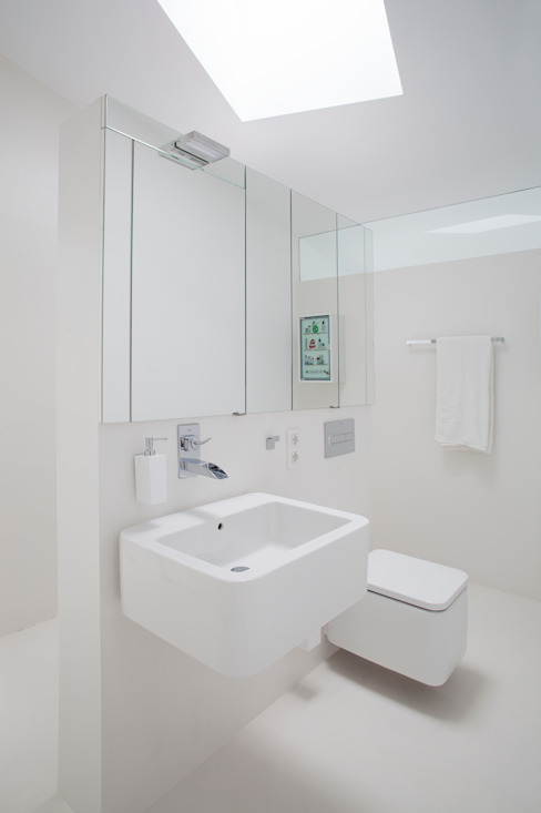 Bathroom by CABRÉ I DÍAZ ARQUITECTES,