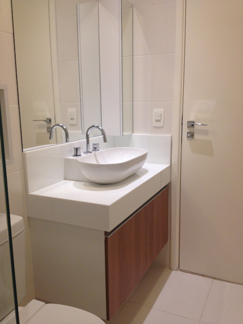 Banheiro social Arquiteto em Casa Banheiros modernos Pedra Branco