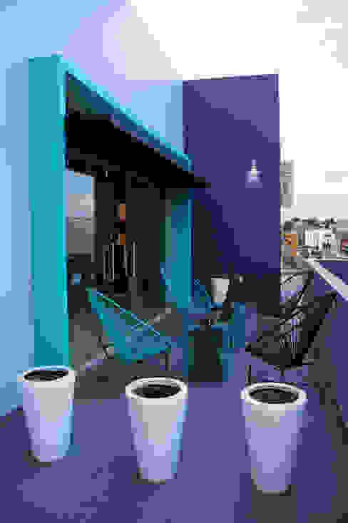 Terrasse de style  par CÉRVOL, Industriel