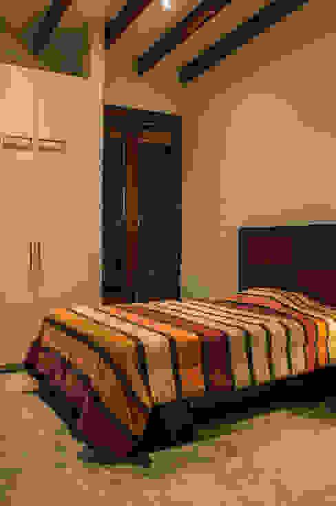 Casa de Campo. Club Ecuestre de Huachipa FURSE.arquitectura Dormitorios de estilo moderno