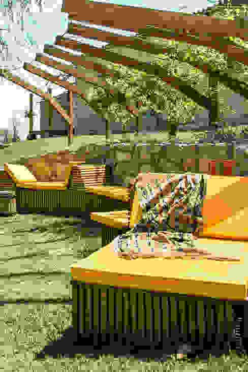 Banca Relax: Terrazas de estilo  por Marina Vella Arquitectura,