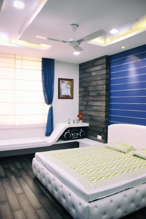 Duplex in Indore Asian style bedroom by Shadab Anwari & Associates. Asian