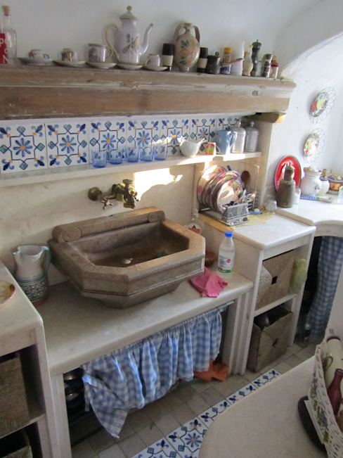 Cesario Art&Design Mediterranean style kitchen Marble Beige