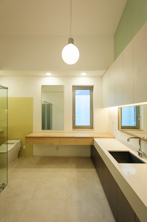 평창동 주택 (Pyeongchangdong House) Modern bathroom by 위빌 Modern