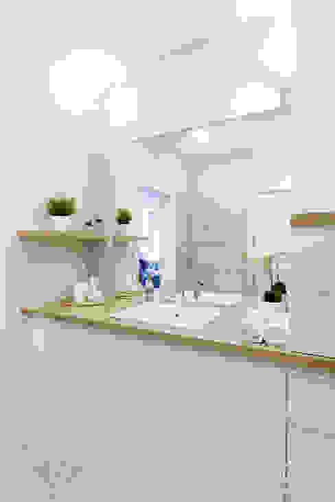 Bathroom by MGN Pracownia Architektoniczna, Modern