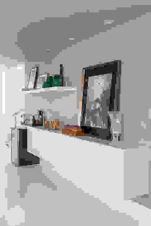 غرفة المعيشة تنفيذ Duo Arquitetura,