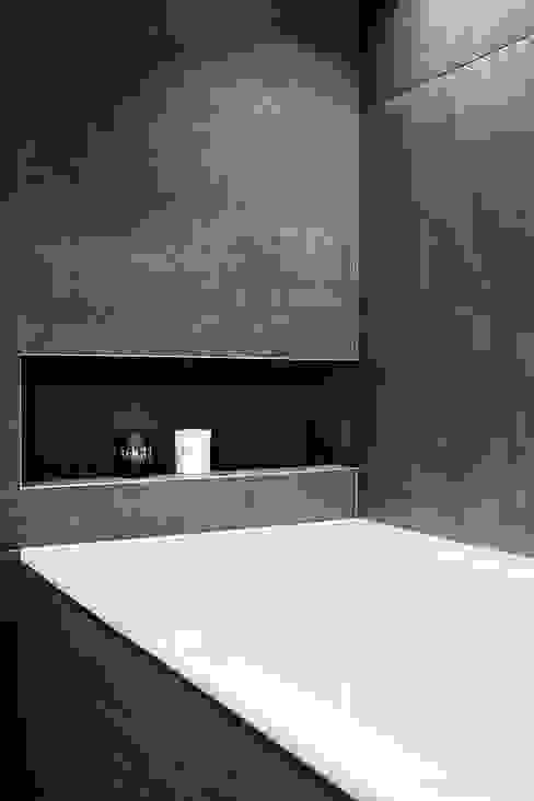 Baños de estilo  por YAM Studios , Industrial
