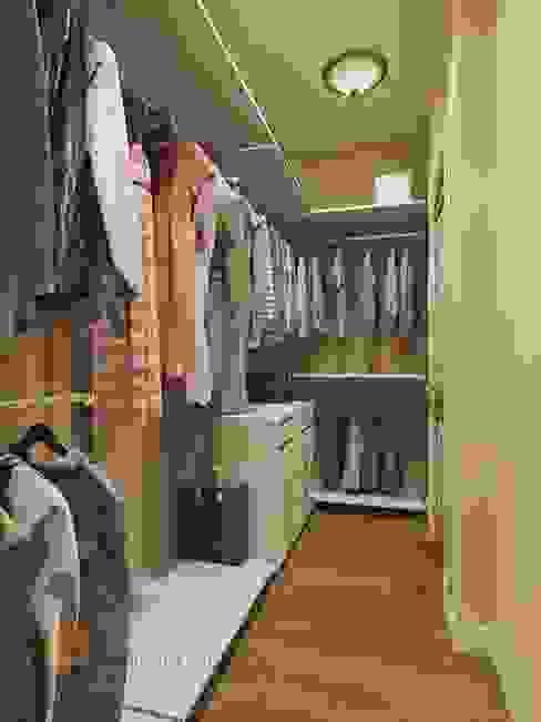 Dressing room by Студия Павла Полынова, Classic