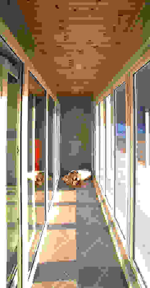 유천동 (Youcheondong) Balcon, Veranda & Terrasse modernes par HOUSE & BUILDER Moderne