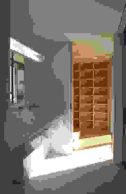空と暮らす家 設計事務所アーキプレイス 北欧スタイルの お風呂・バスルーム