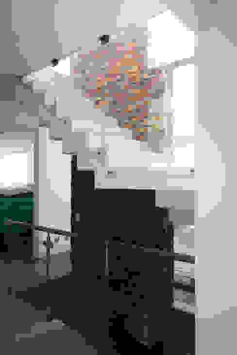 CASA DE PLAYA BARRÓN Paredes y pisos de estilo minimalista de ARKILINEA Minimalista