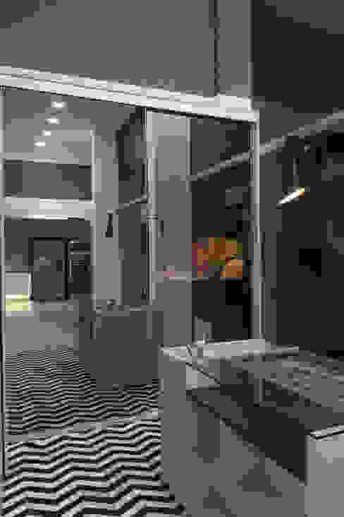 modern  by Studio², Modern