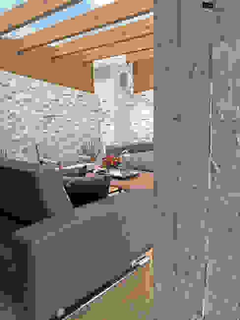 Terraza Horacio: Terrazas de estilo  por Arquitectura101 + Kably Arquitectos, Moderno