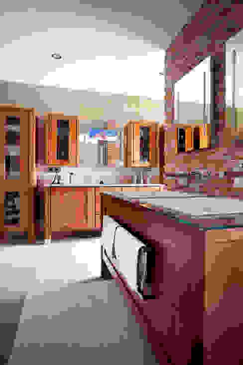 Modern bathroom by Klaus Geyer Elektrotechnik Modern