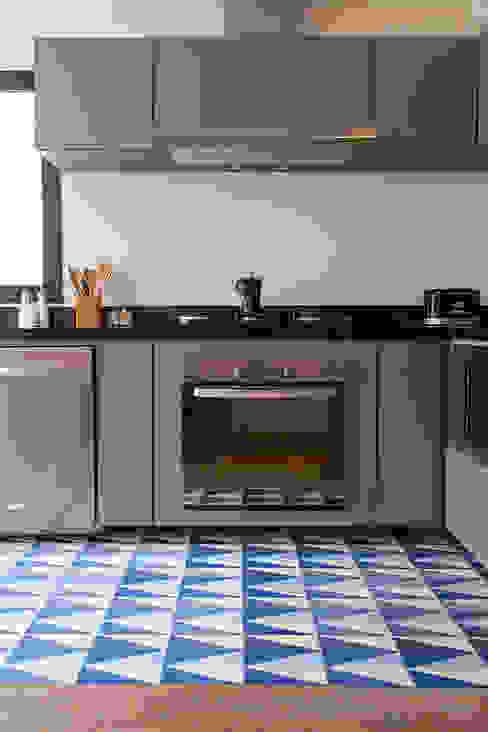 Cocinas de estilo ecléctico de Tria Arquitetura Ecléctico