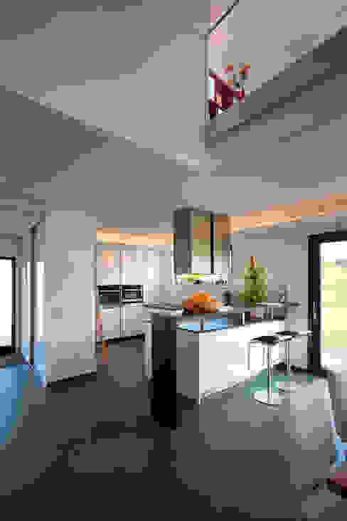 Nhà bếp theo Klaus Geyer Elektrotechnik, Địa Trung Hải
