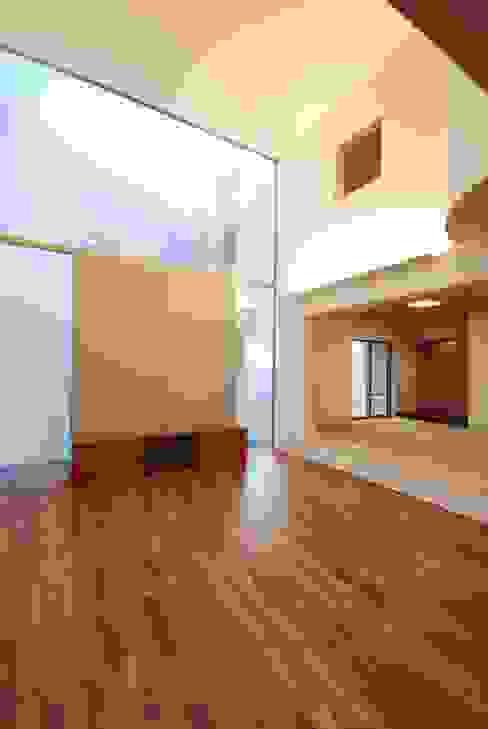 HKM-house モダンデザインの リビング の 門一級建築士事務所 モダン 木 木目調