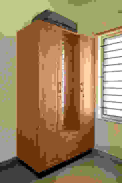 Appasamy Mapleton pallikaranai.. Classic style dressing room by Ashpra Interiors Classic