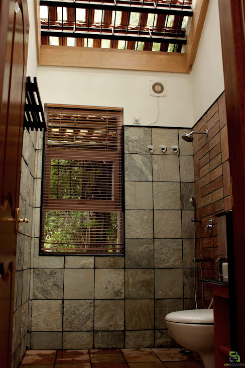 "the ""court"" house Rustic style bathroom by de square Rustic"