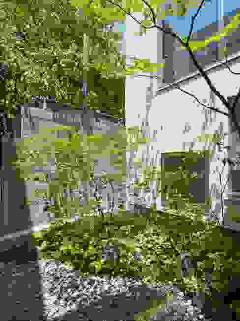 藤原・室 建築設計事務所의  정원, 모던