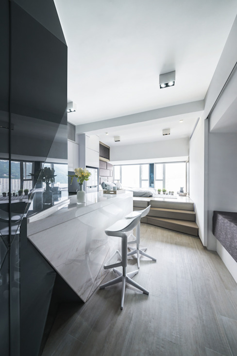 Black-and-white stuido flat in Hong Kong: minimalist  by Zip Interiors Ltd, Minimalist