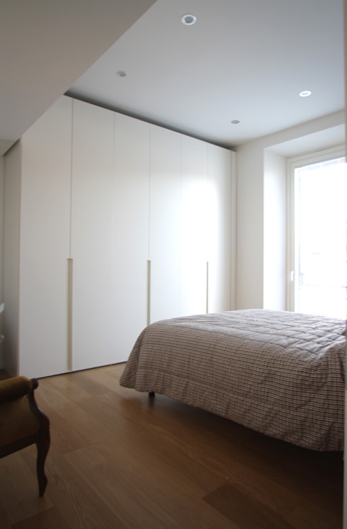 Minimalist bedroom by Filippo Rak Architetto Minimalist