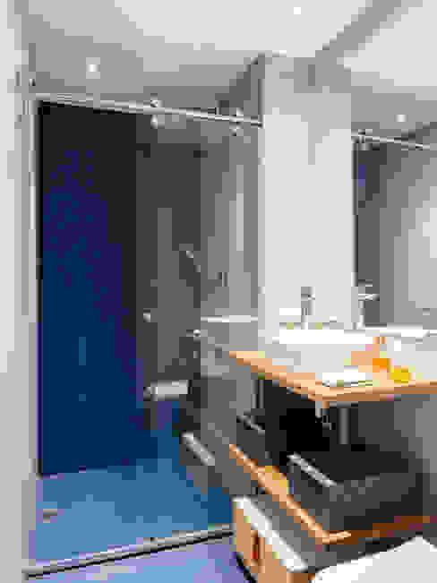ห้องน้ำ by Alvorada Arquitetos