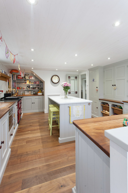 Broom Cottage Before and After: country  by Hampshire Design Consultancy Ltd., Country