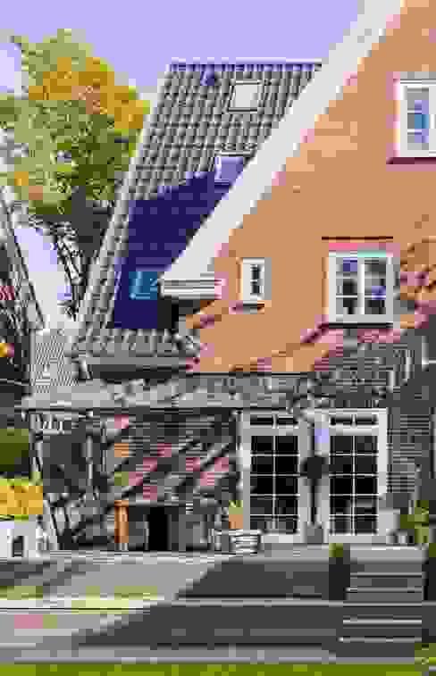 Windschatten durch Terrassendach Solarlux GmbH Balkon, Veranda & Terrasse im Landhausstil