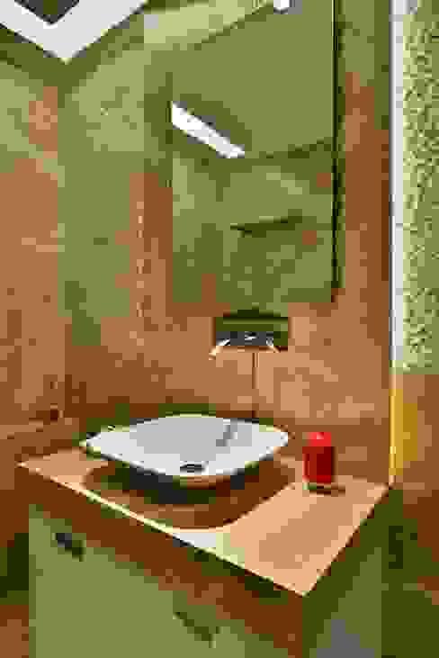 homify Salle de bain minimaliste Marbre Beige