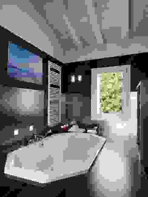 Baños de estilo  por T&R Design GmbH