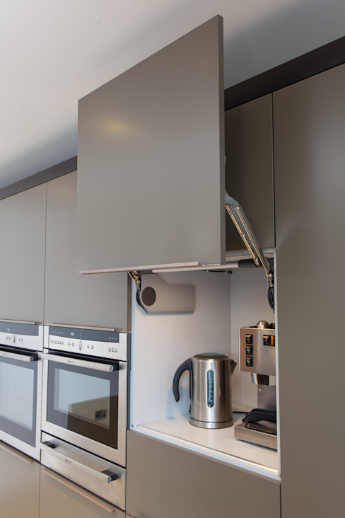 Kitchen by Hampshire Design Consultancy Ltd., Modern