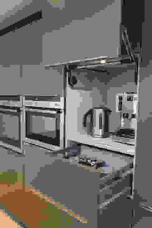 Keuken door Hampshire Design Consultancy Ltd.
