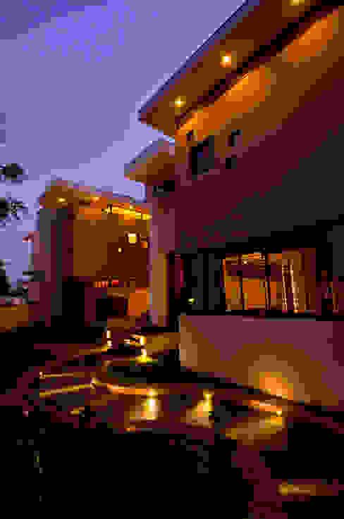 Maisons de style  par Maulik Vyas Architects,