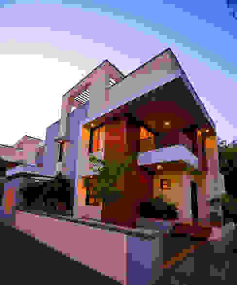 Krishna Villa Modern Houses by homify Modern