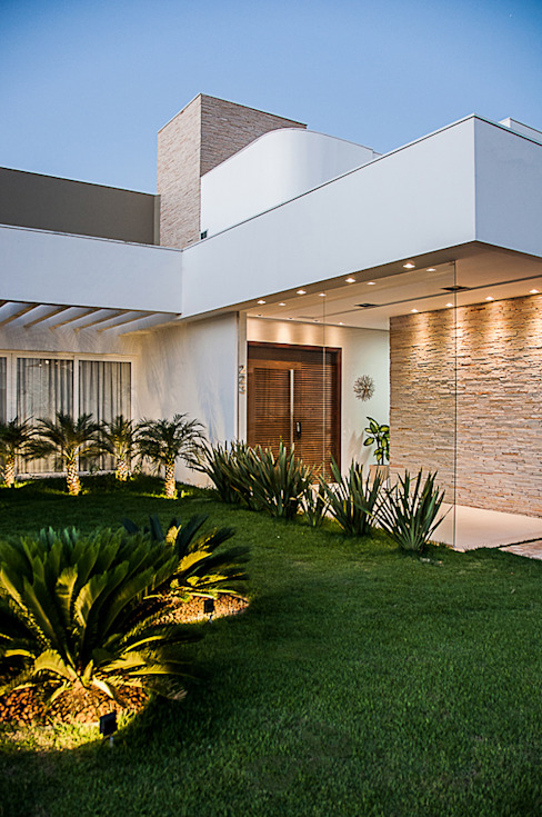 Houses by A/ZERO Arquitetura,