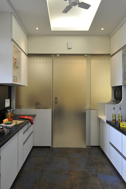 Modern kitchen by homify Modern Plywood