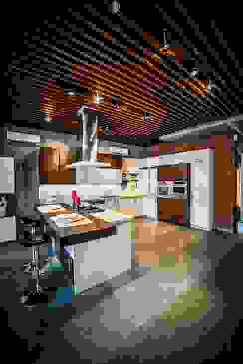 Hyderabad Showroom Modern kitchen by Hacker Kitchen Modern